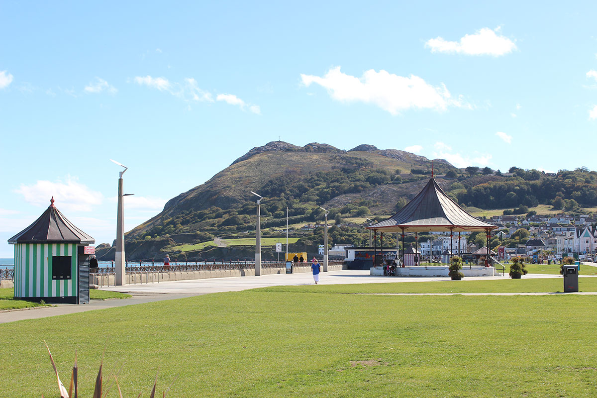 A view of Bray Head from the Promenade